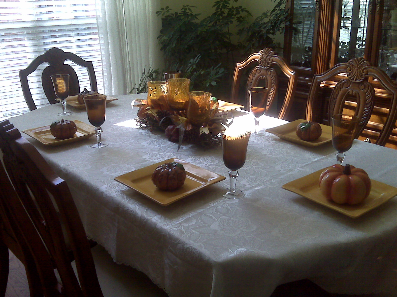 I love fall jem of the south for Pictures of dining room tables decorated